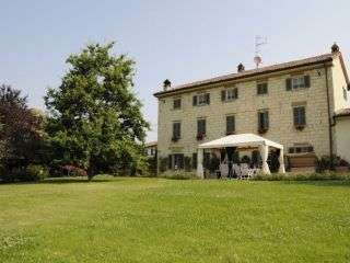 Cascina Manu Bed & Breakfast